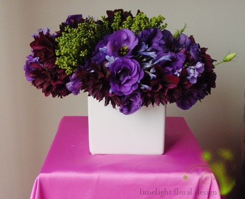 I love how mature, lush and sophisticated this centerpiece is.