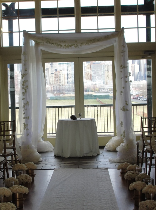 Limelight floral design Liberty hosue restaurant chuppah jewish wedding