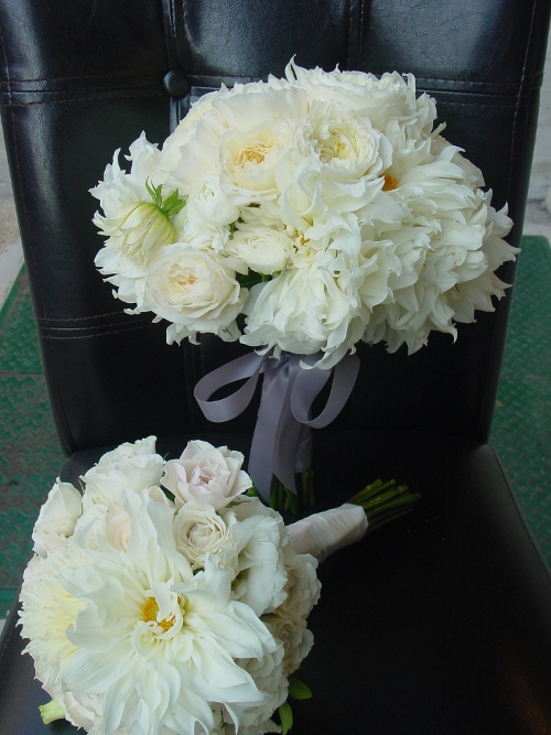 white bouquets at battery gardens wedding
