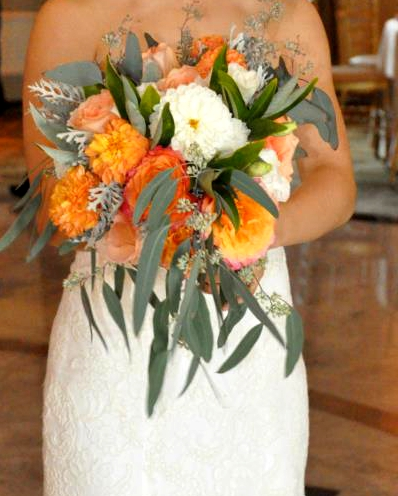 Limelight Floral Design bridal bouquet Rockleight Country Club wedding